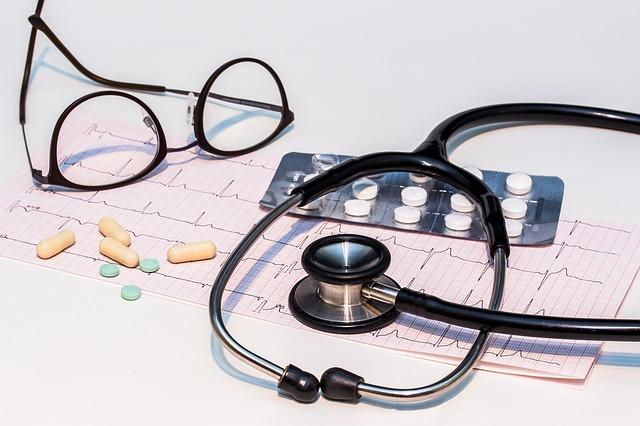 elektrokardiogram a stetoskop